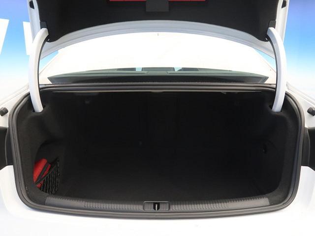 ベースグレード レザーパッケージ LEDライトPKG レッドブレーキキャリパー 黒革シート 純正ナビ フルセグTV バックカメラ ビルトインETC アクティブクルーズコントロール スマートキー 純正18インチAW(18枚目)