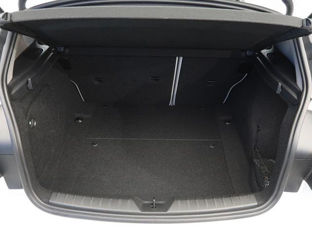 118i スタイル 純正HDDナビ インテリジェントセーフティ パーキングサポートPKG 前席シートヒーター コンフォートアクセス LEDヘッドライト クルコン(19枚目)