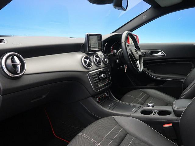 GLA180 オフロード レーダーセーフティPKG 純正HDDナビ フルセグTV バック&サイドカメラ HIDヘッドライト 純正18インチAW 電動リアゲート ハーフレザーシート 前席シートヒーター コンフォートサスペンション(8枚目)