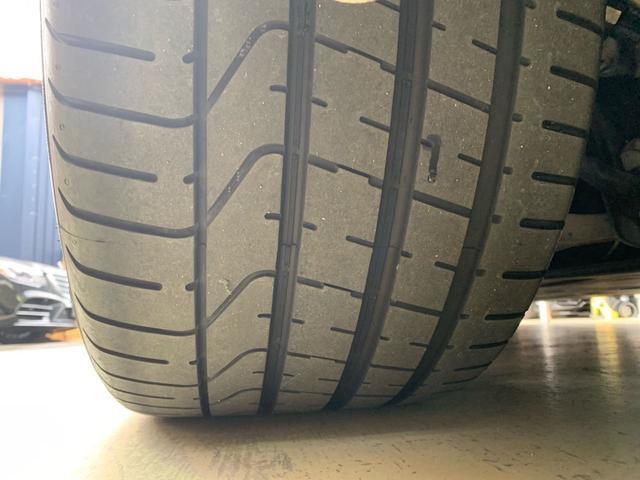 20インチカレラSホイールもがり傷も無く、タイヤもバリ山で状態良好です。