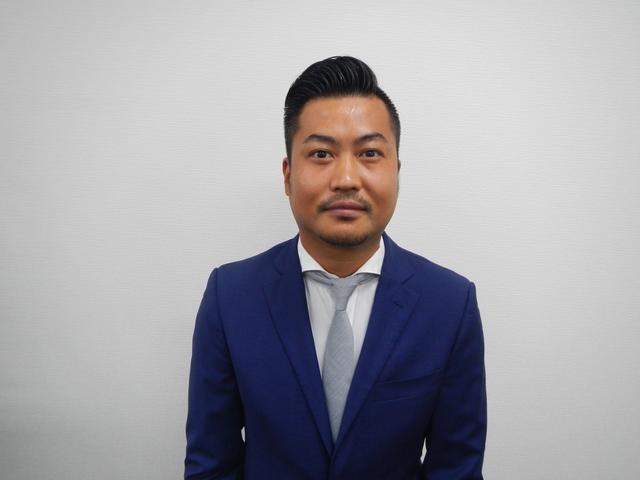 店長の坂田 誠です!!この度は数ある販売店の中からAVIX IMPORT大阪東店の車両をご覧頂き有難うございます。お客様にマッチした特別な1台をご提案致しますのでお気軽にお問い合わせください!