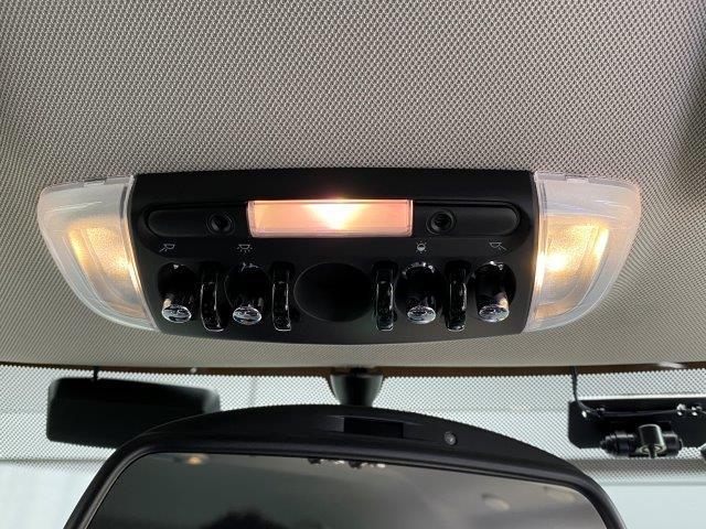 クーパー クラブマン インディゴ革 バックカメラ PDC ペッパーパッケージ シートヒーター スポーツシート LEDヘッドライト 純正HDDナビ アイドリングストップ ブラックルーフ ETC ブラックルーフ F54(45枚目)