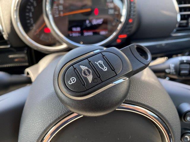 クーパー クラブマン ペッパーパッケージ スマートキー 純正HDDナビ LEDヘッドライト ミラー一体型ETC アイドリングストップ シルバールーフ/ミラー 純正アルミホイール LEDフォグ Bluetooth接続 F54(66枚目)