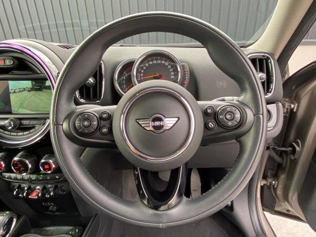 クーパーD クロスオーバー オール4 1オーナー 弊社下取車 ドライバーアシスト アクティブクルーズ バックカメラ PDC ペッパーパッケージ 衝突被害軽減ブレーキ タッチパネル式HDDナビ LEDヘッドライト シートヒーター F60(15枚目)