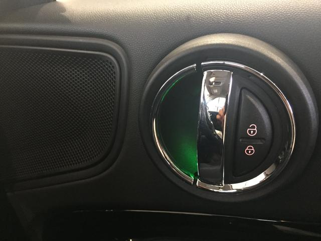 クーパーD クロスオーバー オール4 弊社デモカーバックカメラ禁煙車タッチ式HDDナビバックカメラ電動リアゲート(72枚目)