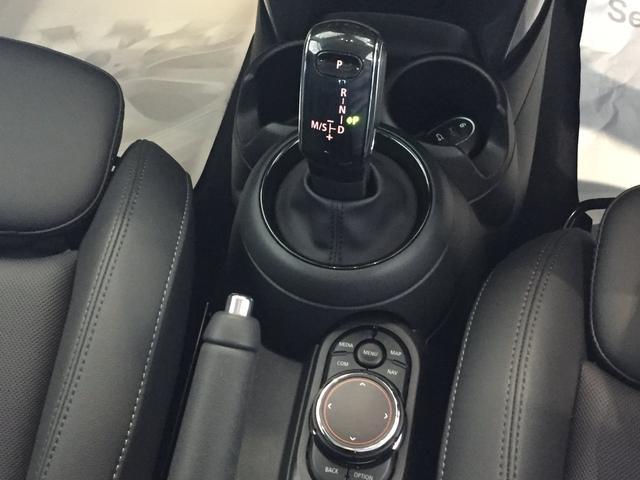 クーパー 弊社デモカー ストリートスタイル ブラックレザーシート フロントシートヒーター 後期モデル ユニオンジャックテールライト 衝突被害軽減ブレーキ LEDヘッドライト バックカメラ 前後障がい物センサー(16枚目)