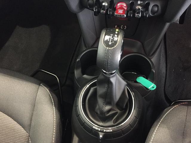 クーパー クロスシート ミントパッケージ スポーツレザーステアリング LEDヘッドライト ワンオーナー 純正17インチアルミホイール(16枚目)