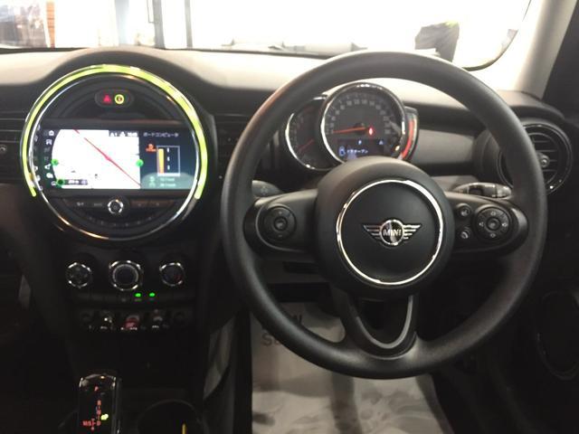 ヴィクトリア 後期モデル 純正HDDナビ ナビタッチ操作可能 衝突被害軽減ブレーキ アームレスト LEDヘッドライト ユニオンジャックテールランプ 純正15インチAW 社外ETC車載器(15枚目)