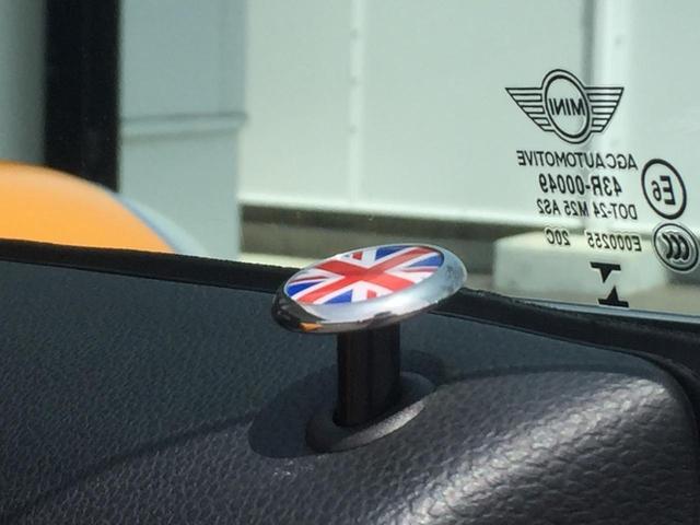 クーパー ナビパッケージ スポーツレザーステアリング LEDヘッドライト LEDフォグランプ ライトパッケージ ワンオーナー ブラックルーフ ホワイトウィンカー クロームインテリア(50枚目)