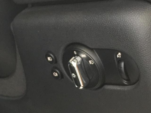 クーパー ナビパッケージ スポーツレザーステアリング LEDヘッドライト LEDフォグランプ ライトパッケージ ワンオーナー ブラックルーフ ホワイトウィンカー クロームインテリア(55枚目)