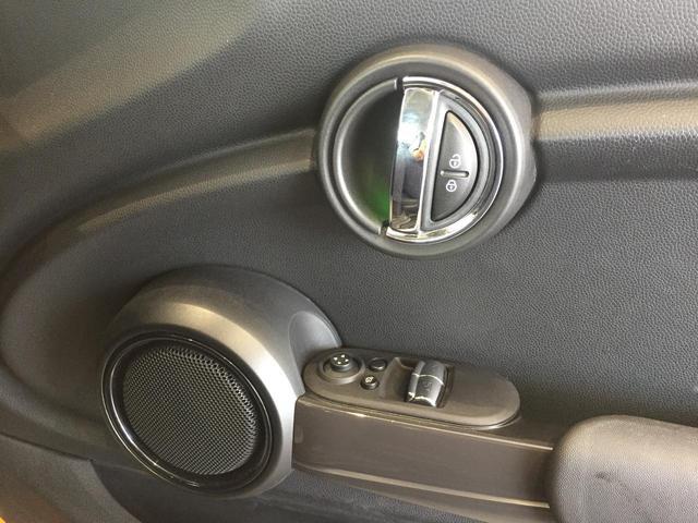 クーパー ワンオーナー ペッパーパッケージ ナビパッケージ バックモニター LEDヘッドライト 走行距離10000km以下 純正15インチアルミホイール コンフォートアクセス 認定保証 純正HDDナビ スペア(38枚目)