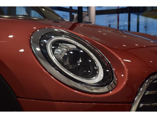 クーパーD クラブマン 弊社デモカー バックカメラ スマートキー 衝突被害軽減ブレーキ アクティブクルーズコントロール 純正タッチ式ナビ ユニオンジャックテールランプ LEDヘッドライト Bluetooth接続機能(59枚目)
