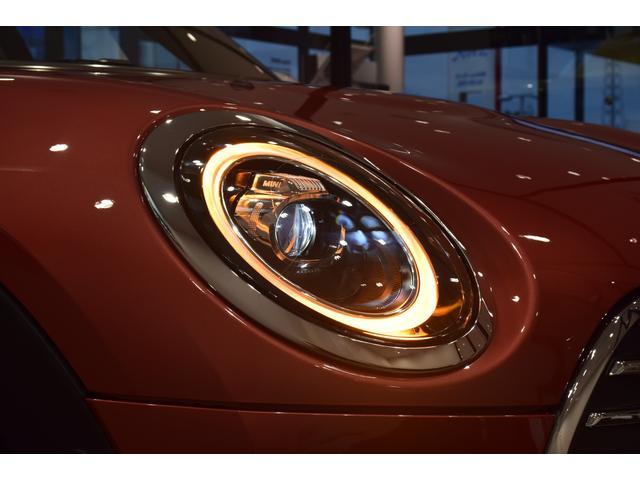 クーパーD クラブマン 弊社デモカー バックカメラ スマートキー 衝突被害軽減ブレーキ アクティブクルーズコントロール 純正タッチ式ナビ ユニオンジャックテールランプ LEDヘッドライト Bluetooth接続機能(62枚目)