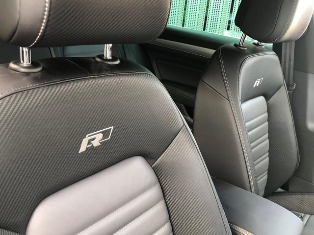 腰廻りをしっかりホールドしてくれるフォルクスワーゲンのシートは、長時間の移動も疲れにくく、追従装置とで、長距離ドライブの後、身体の負担がかなり軽減されます。