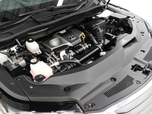 8AR-FTS型 2L 直列4気筒DOHCインタークーラー付ターボエンジン搭載、駆動方式はFFです。