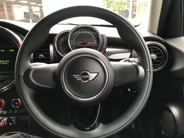 クーパーS 正規ディーラー車 純正LEDヘッドライト 純正LEDフォグライト 純正HDDナビパッケージ 純正ブラックホイール ブラックルーフ ミラーETC LEDパッケージ プッシュスタート(20枚目)