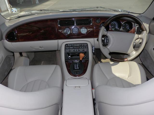 ジャガー ジャガー XKRクーペ ワンオーナー 正規ディーラー車