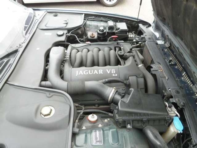 XJ エグゼクティブ3.2-V8(3枚目)