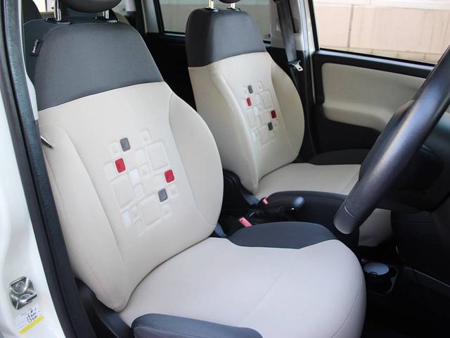 運転席にシミや汚れなどは無く綺麗な状態です。