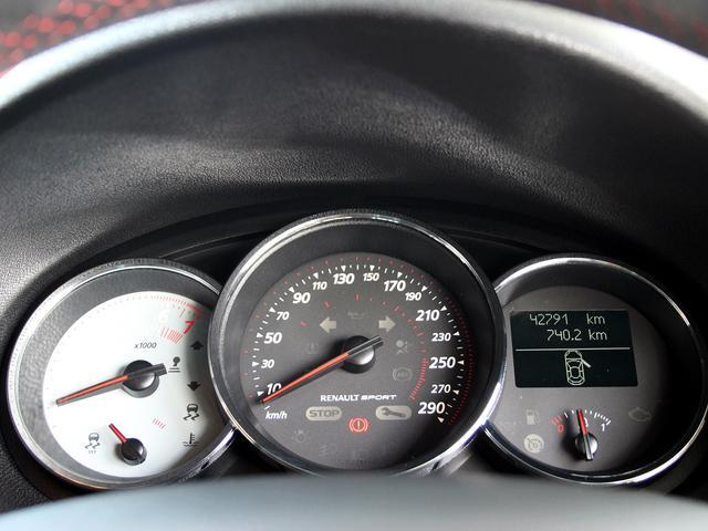 ルノースポール トロフィー ディーラー車 1オーナー 右H 6速MT アイドリングストップ ブレンボ製レッドキャリパー 純正レカロシート 純正18インチアルミ キセノンヘッドライト クルーズコントロール ETC キーレス(48枚目)