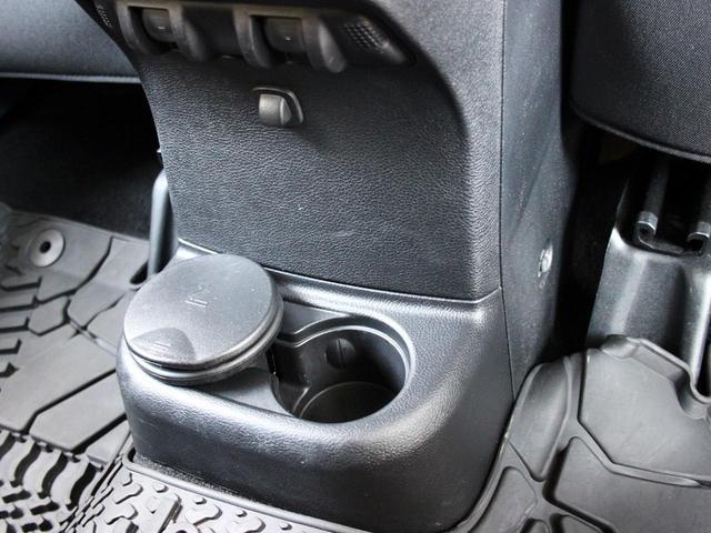 スポーツ 禁煙車 ナビゲーションTV クルーズコントロール サイドモニター パートタイム4WD 背面タイヤ キーレスエントリー 純正17インチアルミホイール ETC(57枚目)