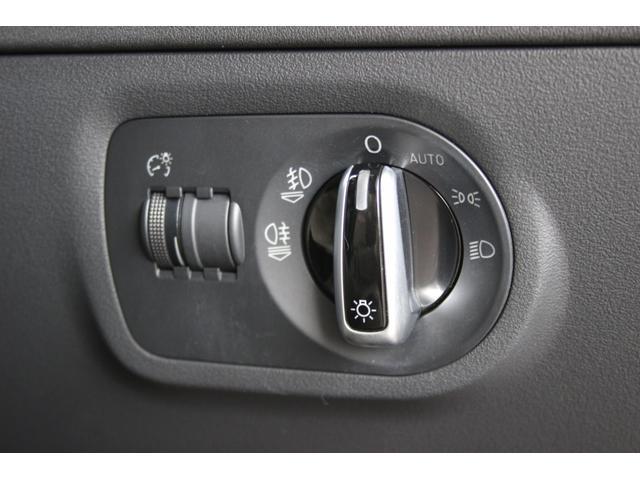 1.8TFSI S-ラインパッケージ(フロントスポーツシート 専用バンパー 18インチアルミホイール ドアシルプレート リヤディフューザー ディンプルタイプ本革巻きセレクターノブ) キセノンヘッドライト ETC(33枚目)