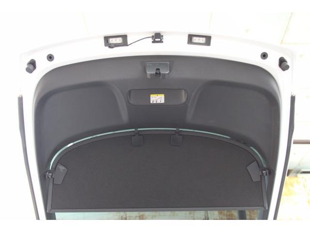 1.8TFSI S-ラインパッケージ(フロントスポーツシート 専用バンパー 18インチアルミホイール ドアシルプレート リヤディフューザー ディンプルタイプ本革巻きセレクターノブ) キセノンヘッドライト ETC(60枚目)