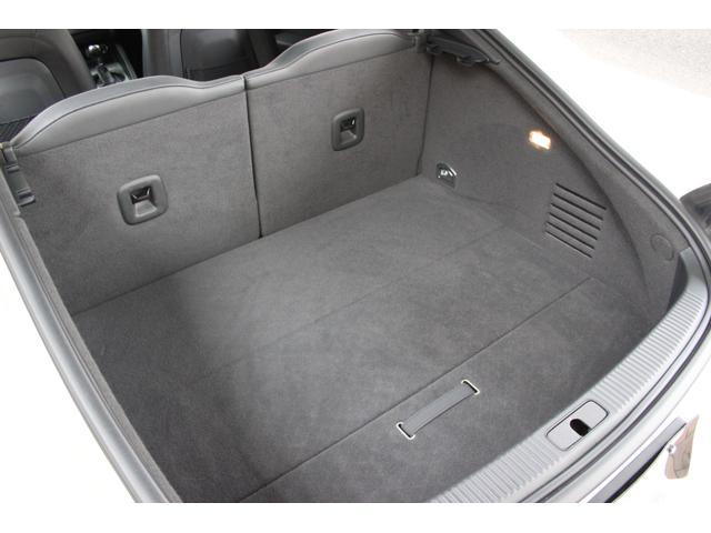 1.8TFSI S-ラインパッケージ(フロントスポーツシート 専用バンパー 18インチアルミホイール ドアシルプレート リヤディフューザー ディンプルタイプ本革巻きセレクターノブ) キセノンヘッドライト ETC(61枚目)