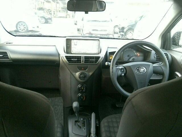 1000 100X 3ドア FCVT 2WD 4人(9枚目)