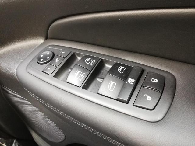 リミテッド 登録済未使用車 4WD ナビ TV ETC(27枚目)