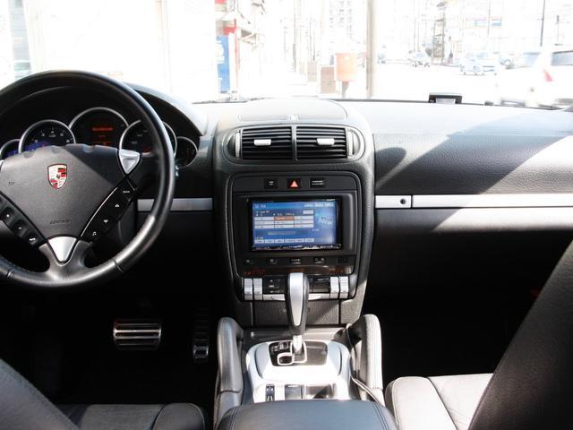 ポルシェ ポルシェ カイエン S V8 4.8L 4WD 黒本革 社外HDDナビ SR