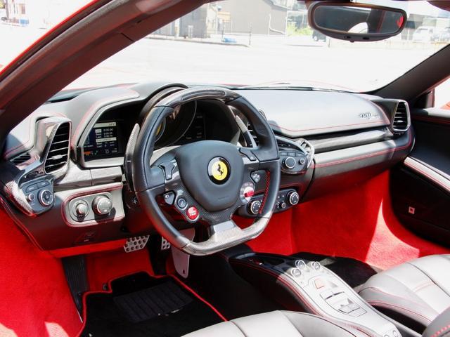 2014 フェラーリ458スパイダー内外装共に とても綺麗です