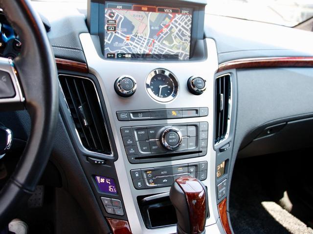 純正HDDナビ搭載 ダブルACにシートヒーター、シートクーラーも装備しています