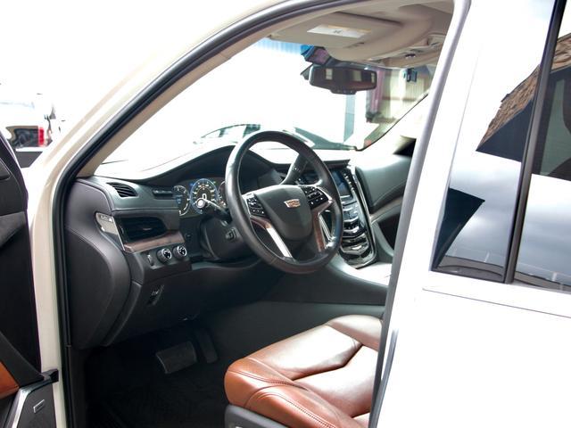「キャデラック」「キャデラックエスカレード」「SUV・クロカン」「福岡県」の中古車33