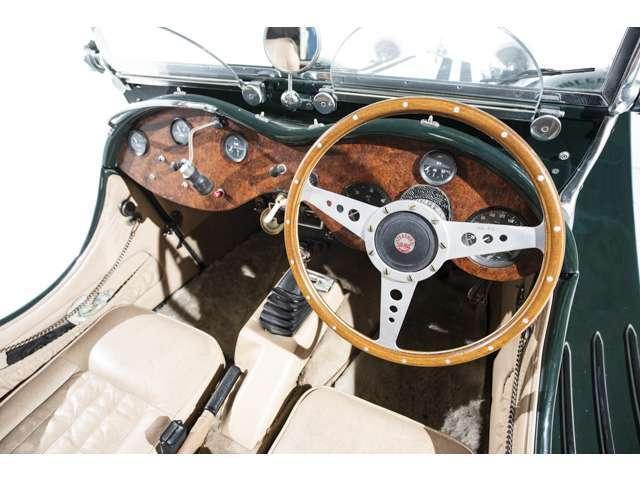 「ジャガー」「ジャガーその他」「クーペ」「福岡県」の中古車11
