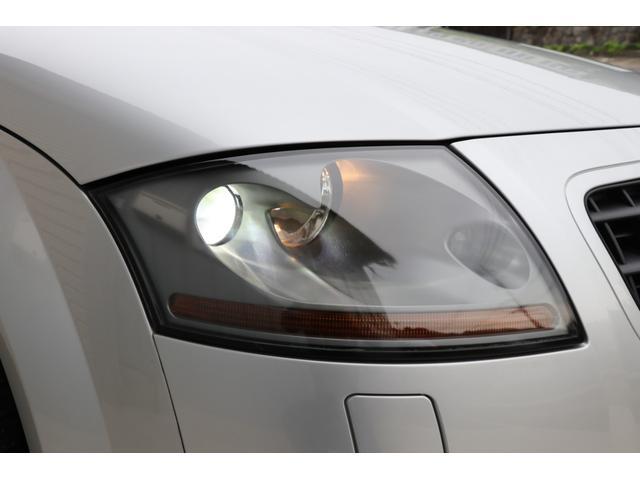 3.2クワトロ Sライン 4WD V6 3200cc 250ps 天張張替済 キセノンライト ヘッドライトリペア 黒革シート シートヒーター 純正18インチアルミ スペアキー 取扱説明書 記録簿12枚 走行テスト済車輛(3枚目)