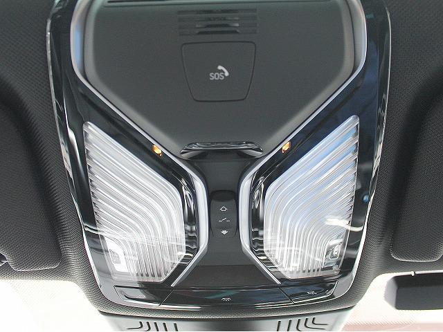 740d xDrive MスポーツレーザーライトSR黒革(3枚目)