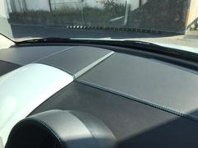 ベースグレード内装レザー張替ステッチ加工中天井張替中(12枚目)