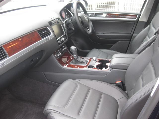 フォルクスワーゲン VW トゥアレグ V6 ブルーモーションテクノロジーナビ地デジ黒革クルコン