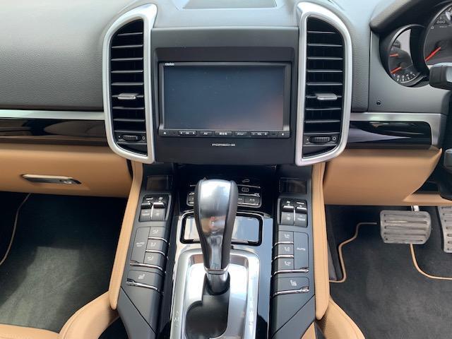 プラチナエディション ティプトロニックS 4WD シートヒー(14枚目)