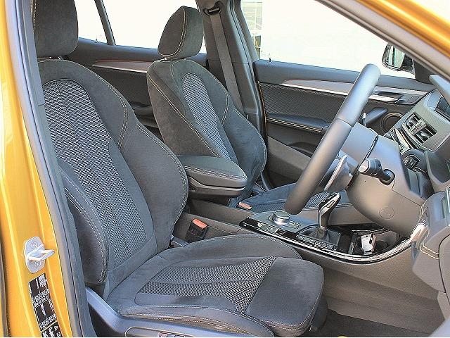 xDrive 20i MスポーツX OP20AW電動シート(16枚目)