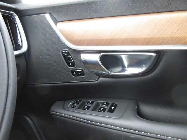 T6 AWD インスクリプション(18枚目)
