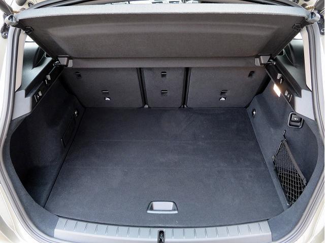 218d xDriveアクティブツアラーラグジュアリ 黒革(18枚目)
