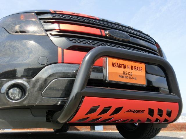 フォード フォード エクスプローラー XLT 2.0エコブースト CARBOXデモカー ローダウン