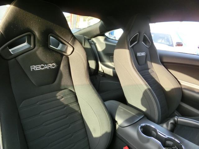 フォード フォード マスタング V8 GTパフォーマンスPKG 新並 6MT カスタム施工中