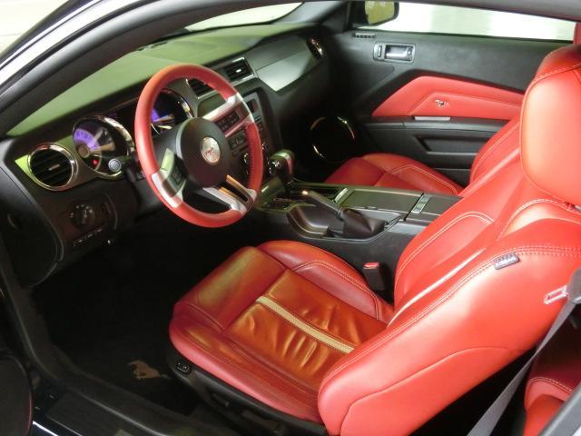 V8 GTグラスルーフレッドホット 走行7千Km(2枚目)