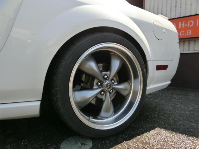 V8 GT プレミアム 正規ディーラー車 カスタム車(17枚目)