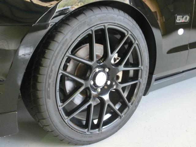 V8 GTクーペ グラスルーフ ザ ブラック 35台限定車(13枚目)