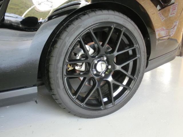 V8 GTクーペ グラスルーフ ザ ブラック 35台限定車(18枚目)