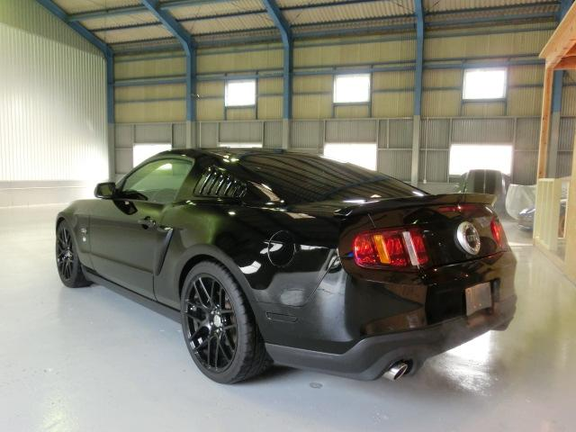 V8 GTクーペ グラスルーフ ザ ブラック 35台限定車(19枚目)